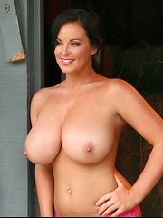 Sarah's sizzling smile, charismatic beauty and perfectly shaped H-cup big boobs have made her nothing less than an absolute smash hit and now she
